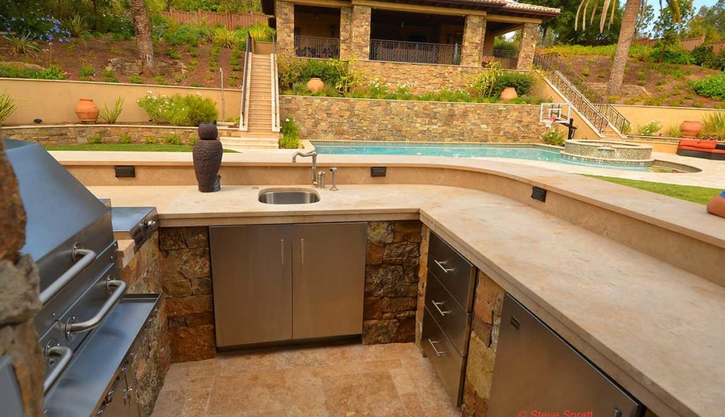 Homeowners avoid these outdoor kitchen mistakes