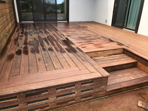 Deck with rodent proof skirt